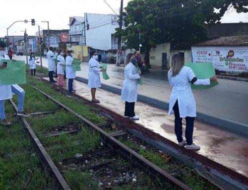 Aracaju Enfermeiros protestam por melhores condições de trabalho e salários